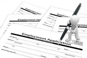 application-1915343_640